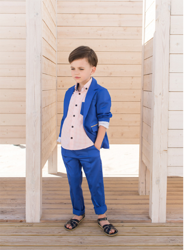 With The Rolled Sleeves Of Its Blazers 87 And Easy To Wear Button Downs 47 Paade Modes Spring Summer Collection Is Modern Miami Vice