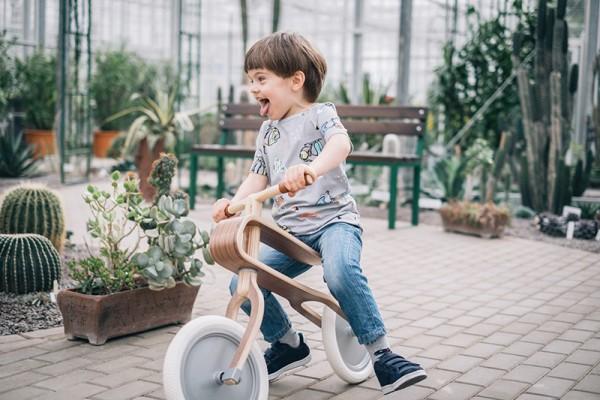 brum brum bike boy