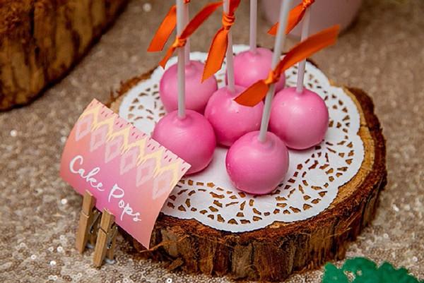 Enaya Party cake pops