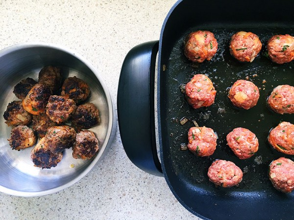 Lets-cook-meatballs-7