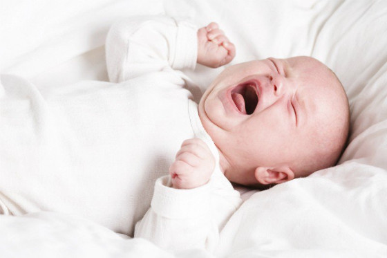 colic crying baby solus
