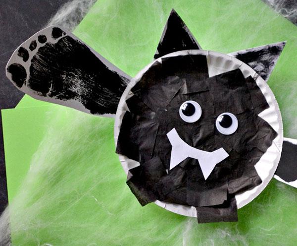 halloween-kids-activites-bat
