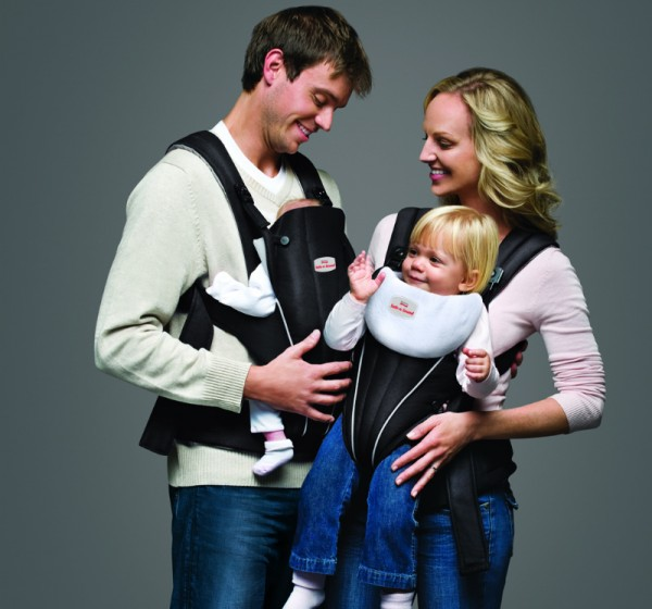 safe-n-sound-baby-carrier-lifestyle-shot_2-baby-carriers-adults