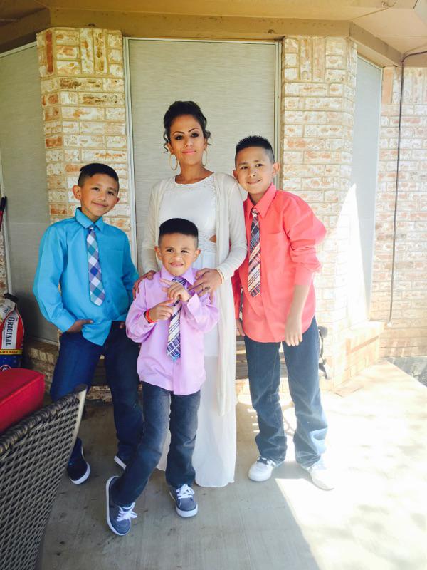 yevete-vasquez-with-kids