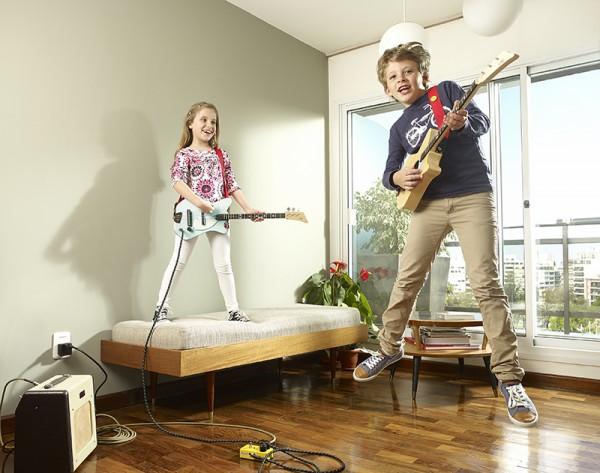 loog guitarsBoyAndGirl