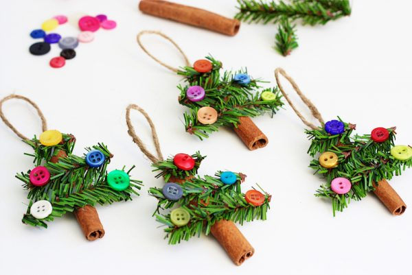 10 Easy Christmas Decorations To Make With Your Kids