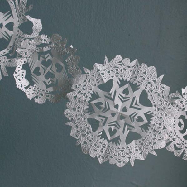 christmas-diy-doily-snowflakes