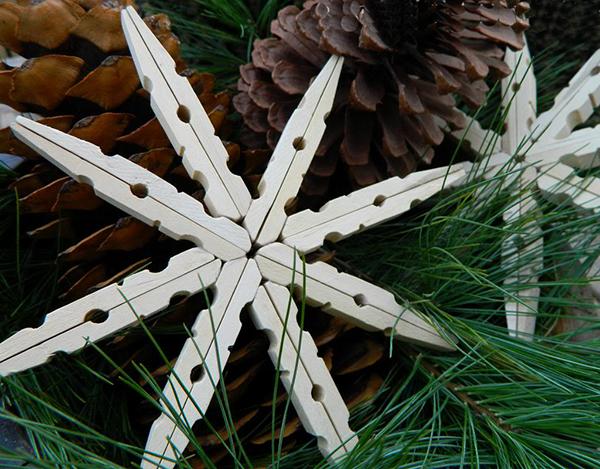 christmas-diy-peg-snowflakes