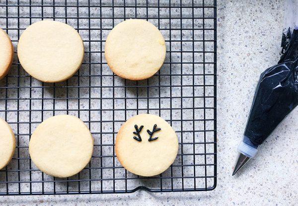 christmas-reindeer-biscuit-recipe-8