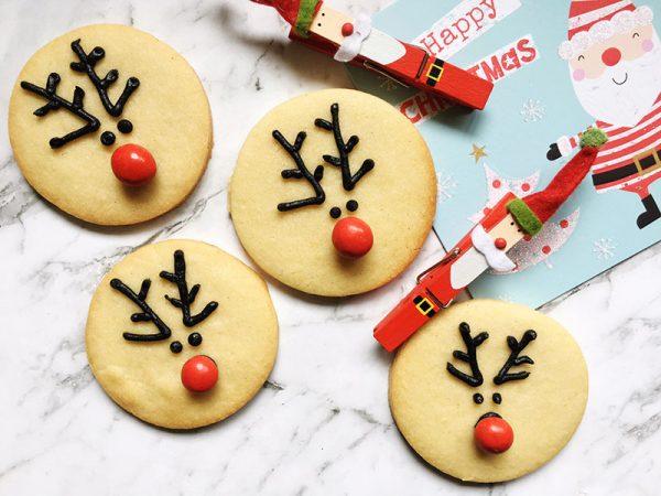 christmas-reindeer-biscuit-hero