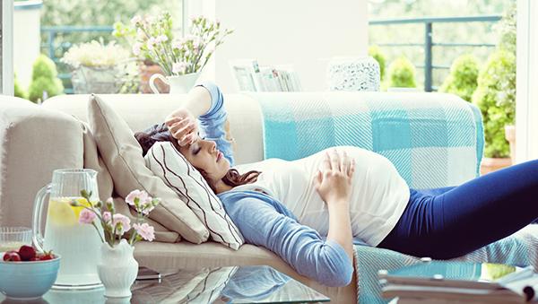 Pregnant woman sore back