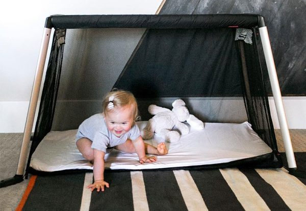 phil-and-teds-lightweight-traveller-cot