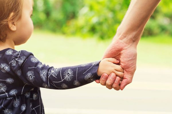 seven-sanity-saving-tips-when-your-hands-are-full-of-baby