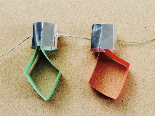 String Christmas Lights Together : How to make a Christmas lights garland