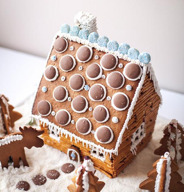 log-cabin-gingerbread-house2