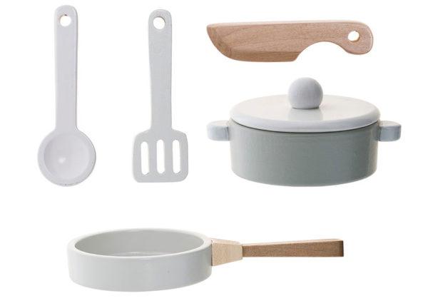 bloomingville-mini-kitchen-play-set