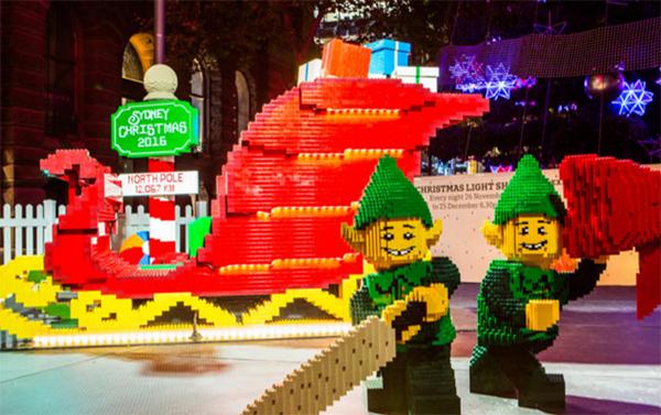 LEGO sleigh Christmas MArtin Place