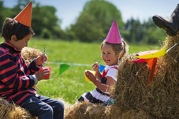 munchkin-grass-fed_-kids-lifestyle-image