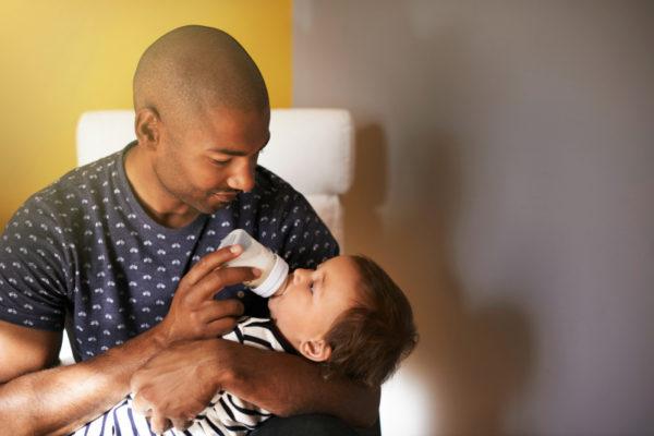 father_bottlefeeding