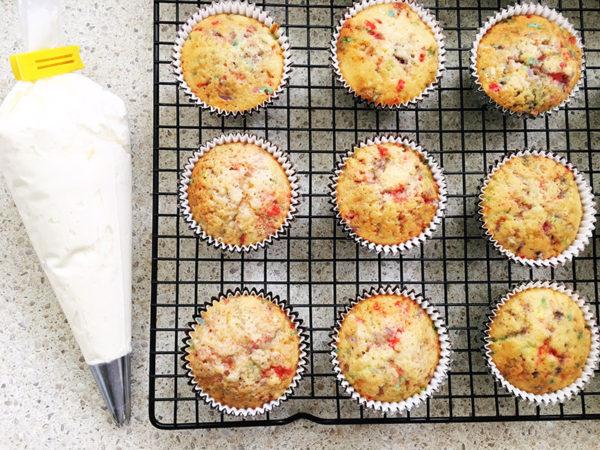 funfetti-cupcake-recipe-8