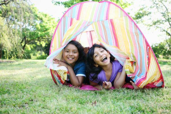 kids-tent-backyard-stock