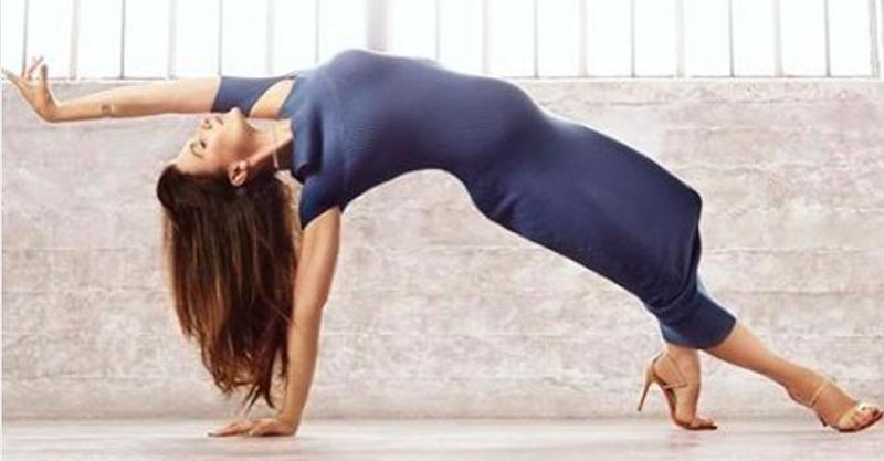 pregnant yoga Hilaria Baldwin