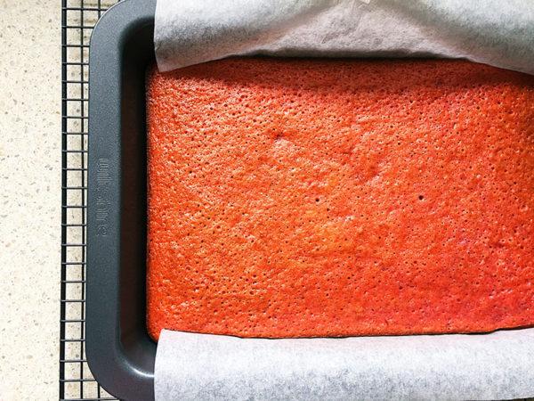 strawberry sheet cake recipe step 5