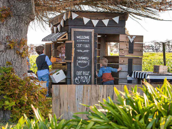 cubby house, kids, play, toys, outside