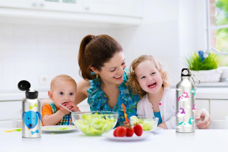 mum and kids having lunch