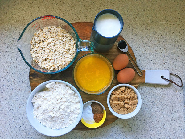 easy spiced muffins ingredients