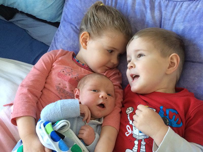 Alicia and children, Abby, Callum and Liam
