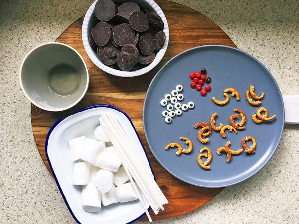 christmas reindeer marshmallow pops recipe