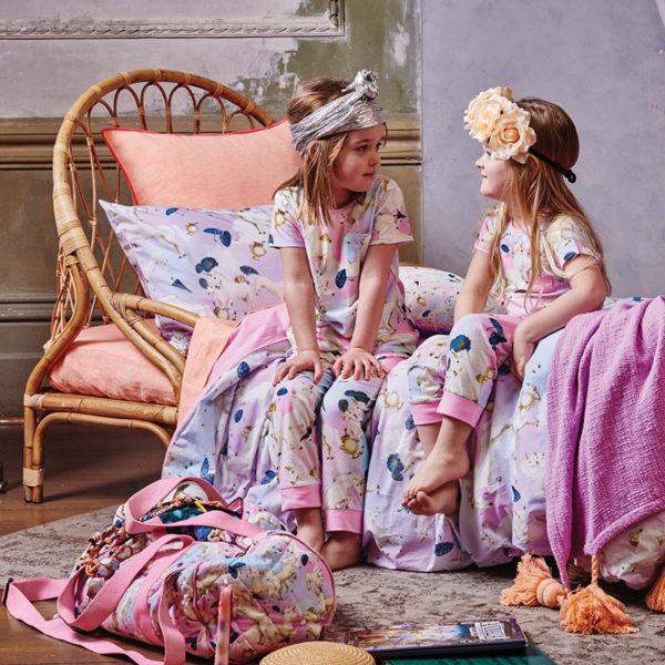 girls, bed, linen