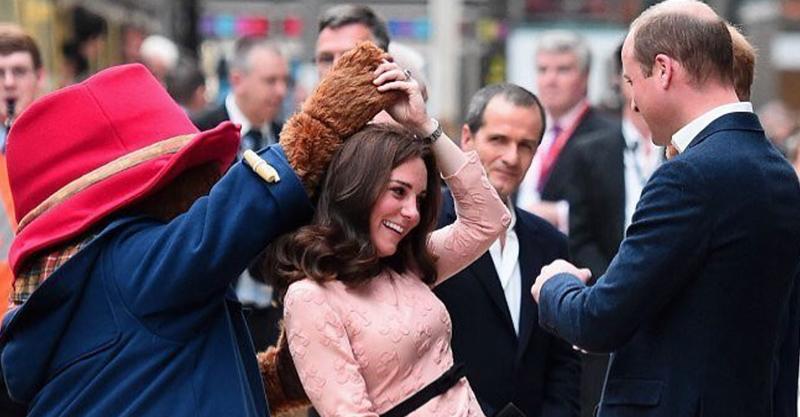 Duchess kate, Prince William and Paddington Bear