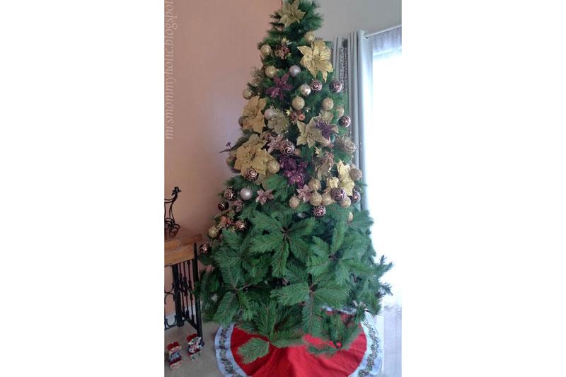 Half decorated Christmas tree