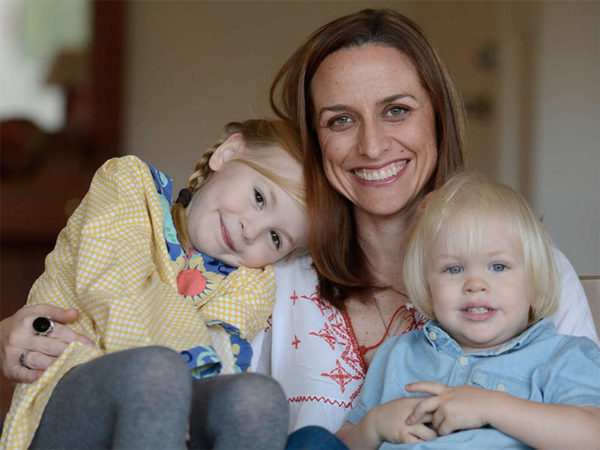 Shevonne Hunt with kids