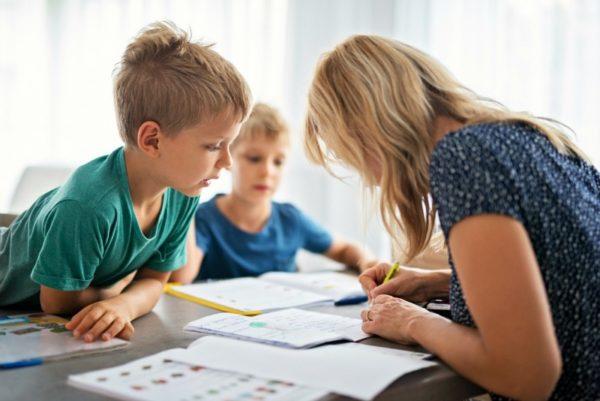 mum homeschooling kids