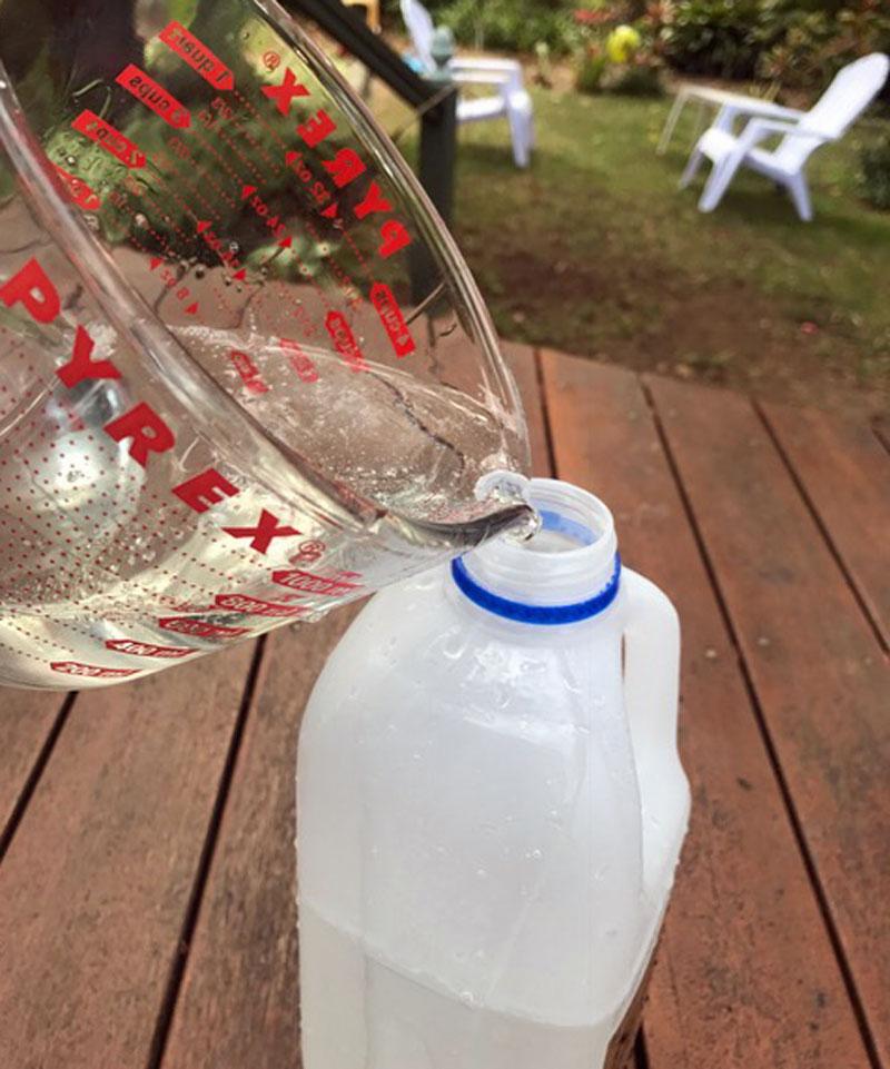 Homemade bubble mixture pour