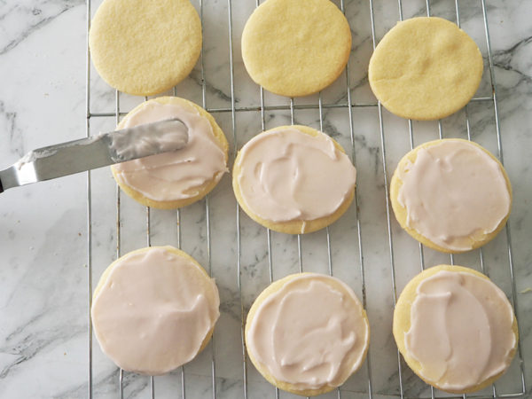 Easter bunny tail recipe - icing the biscuits