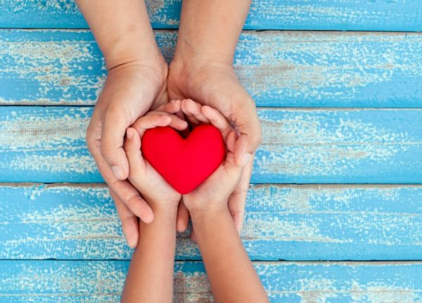 loveheart mum child hands