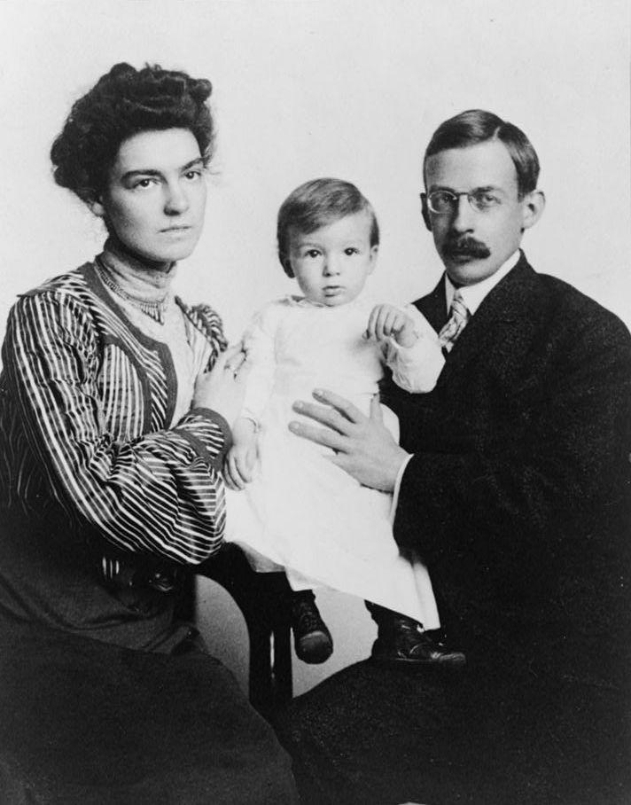 Elise May and Gilbert 1902
