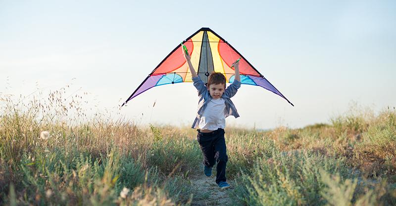 EDITORIAL - boy with kite