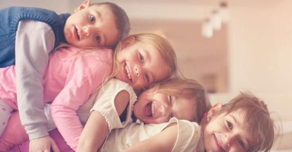 siblings large family
