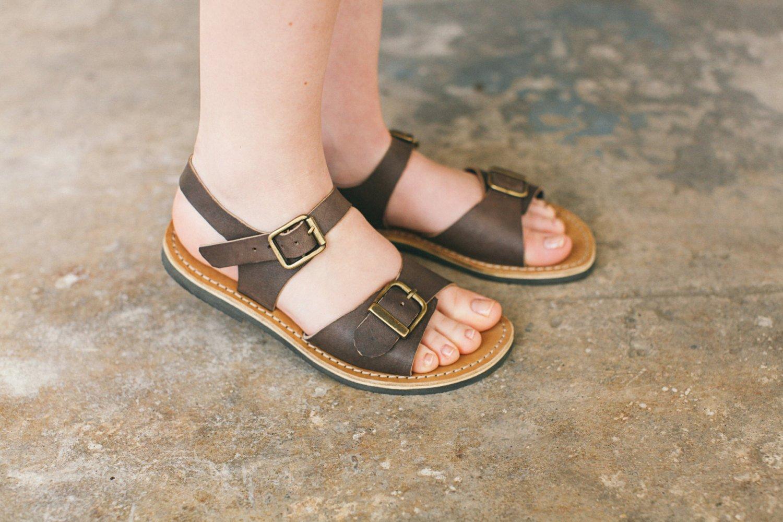 Vintage brown sandals