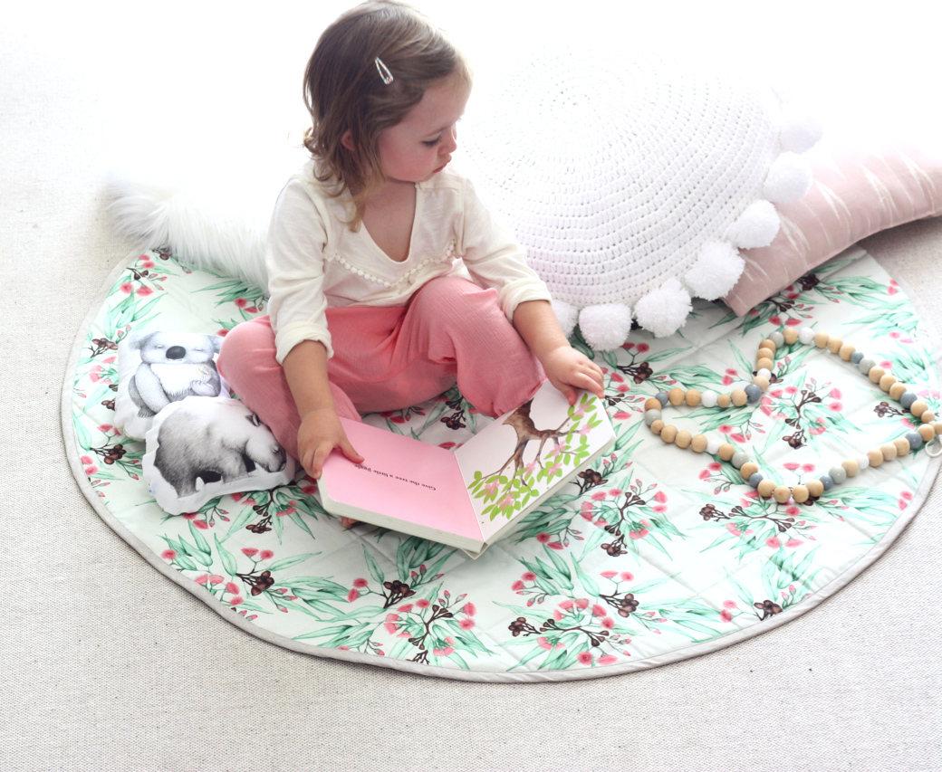 Botanical play mat