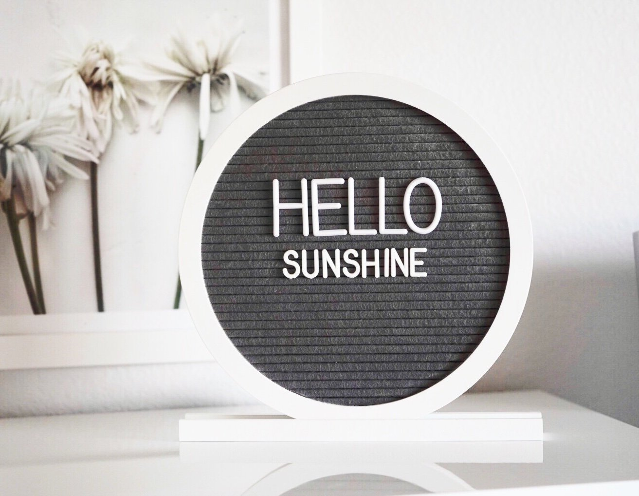 Round circle letter board