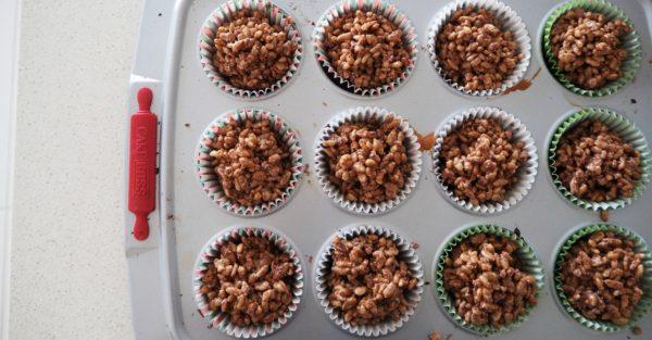Christmas pudding crackles recipe step 4