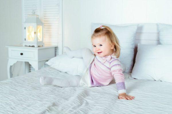 night lamp girl bed