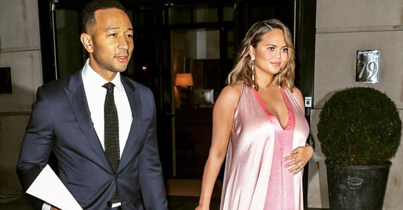 446f75a8f5991 The relatable reason Chrissy Teigen's second pregnancy is much harder
